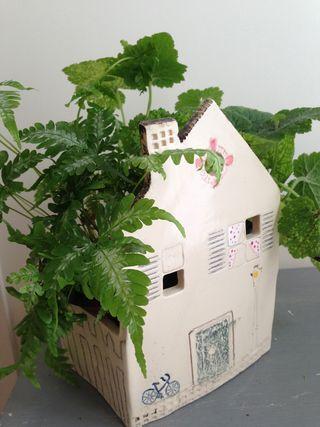 Maison pot de fleurs